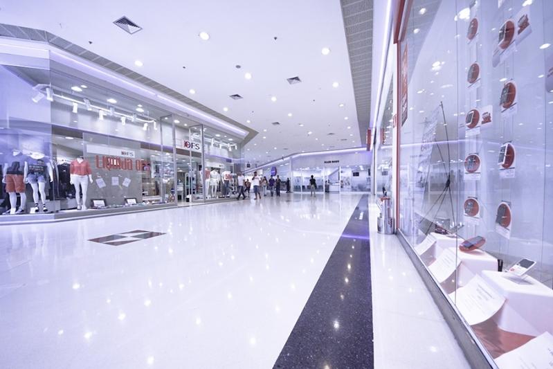 Pisos Epóxi Autonivelante para Shoppings Cubatão - Pintura Epóxi para Estacionamento de Shopping